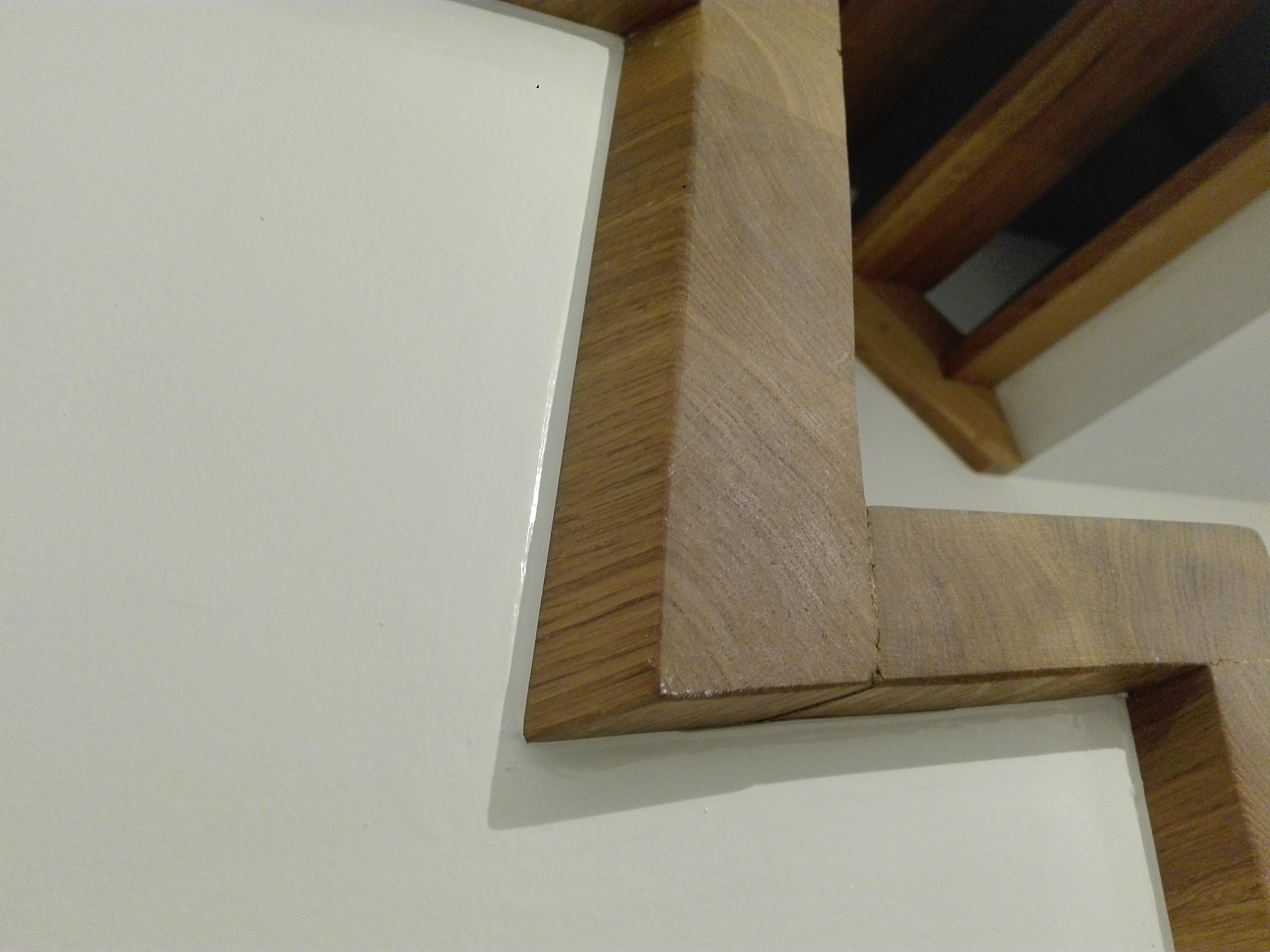 schilderwerken aansluitend aan trap